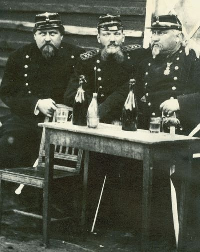 Militarer tre aldre okanda