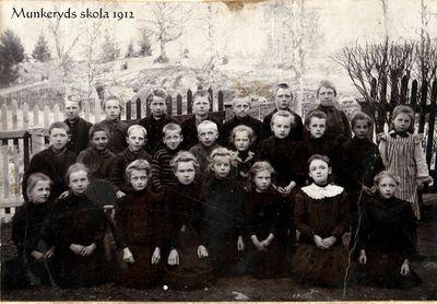 Skolfoto fran munkeryds skola 1912