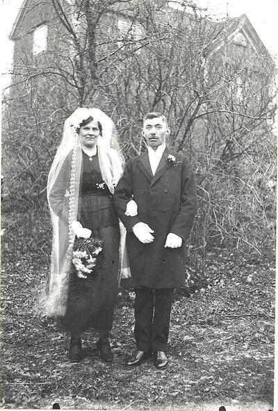 Brudparet arvig och olga petterson stockseryd