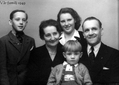 Familjen astrid och ivar johansson i munkeryd