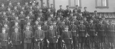 Fotografi vadstena kompani 1903 hoger del