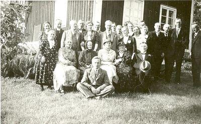 Gruppbild fran anna larssons 90 arsdag i stenkilsby
